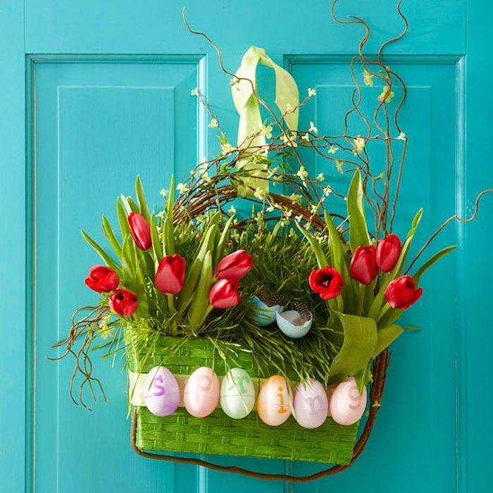 Bricolage paques facile deco de paques décoration simple et jolie porte d'entrée