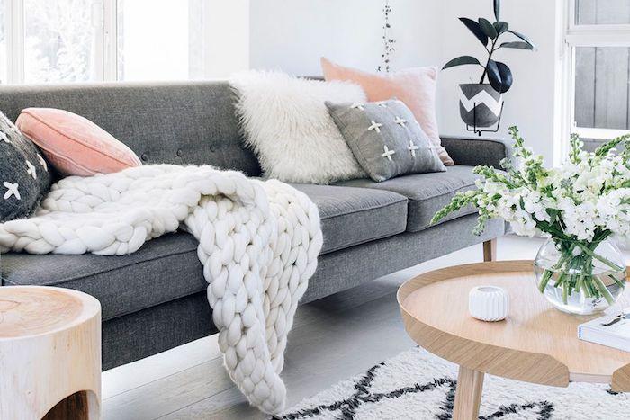 Fauteuil scandinave blanc image scandinave salon deco scandinave canapé gris table basse ronde