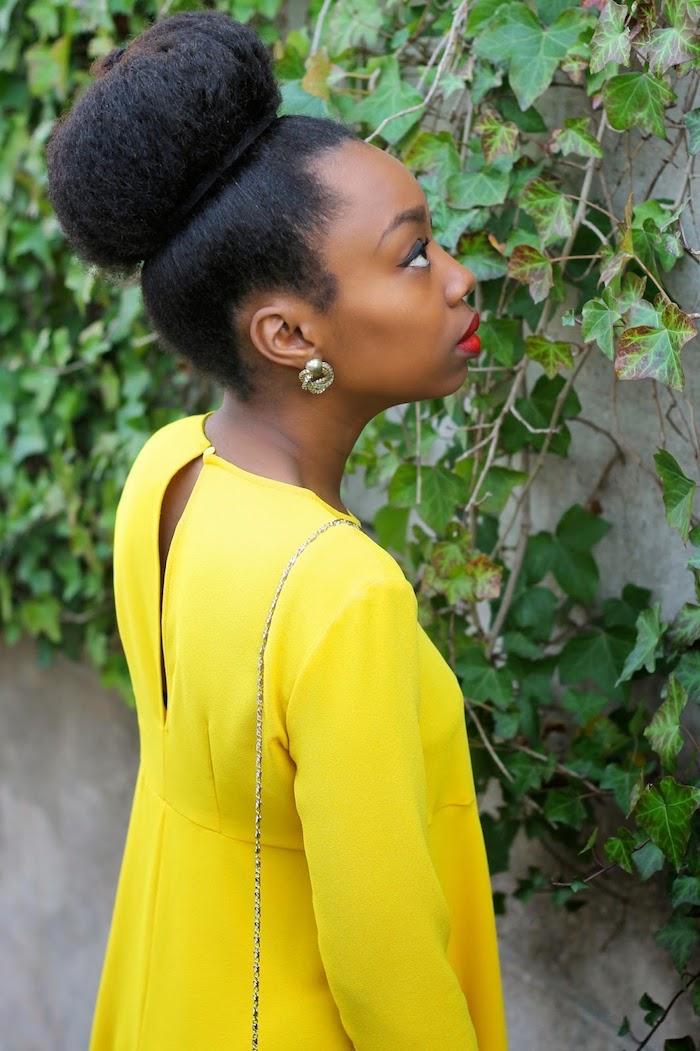 Coiffure africaine coupe de cheveux afro se coiffer soi meme chignon coiffée haut grand chignon