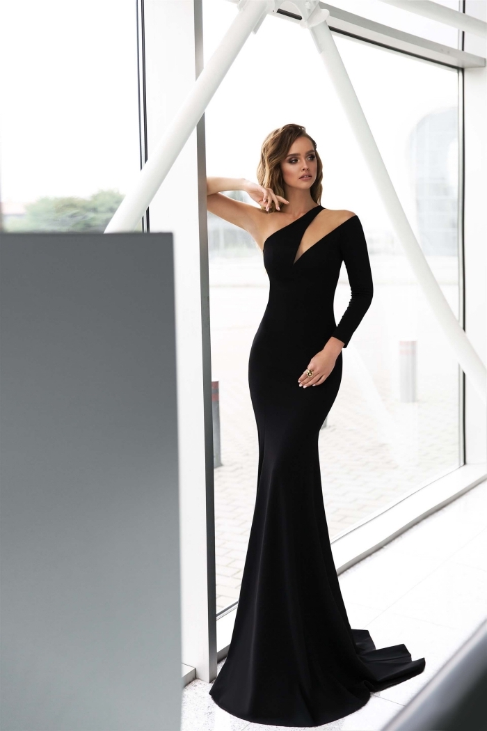 00cab08ddbaf5 comment être élégante et stylée avec une robe de soirée noire en longueur  sol de forme Robe de soirée chic et glamour.