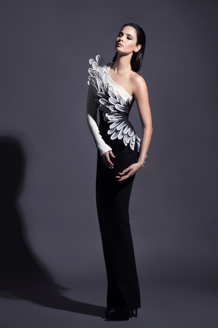 design haute couture de robe longue officielle en jupe noire et haut blanc à motifs feuilles 3d avec manche longue