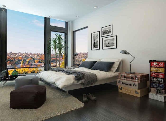 deco de chambre adultes design, décoration avec vieilles valises, chambre moderne et lumineuse pour parents