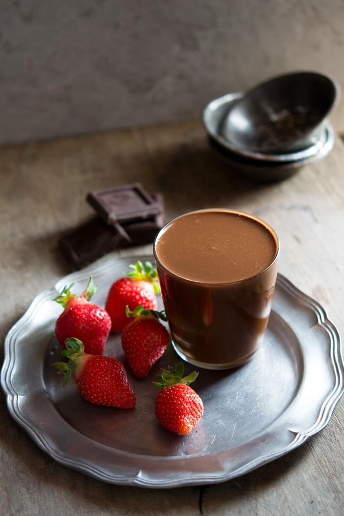 idée pour une recette nutella maison facile et saine, une pâte à tartiner maison à consommer sans culpabiliser