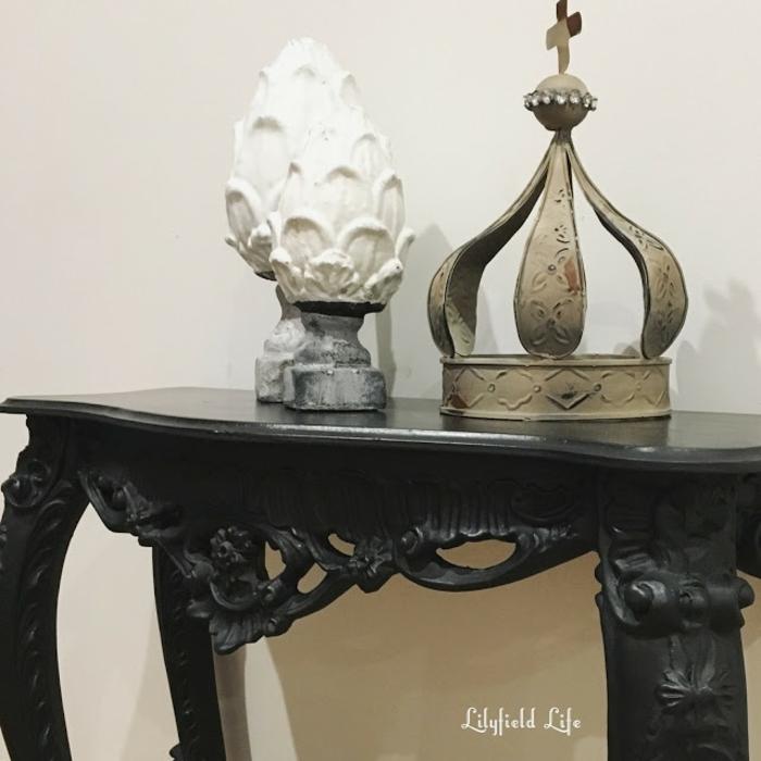 comment repeindre un meuble en bois et lui donner le look vintage obsigen. Black Bedroom Furniture Sets. Home Design Ideas