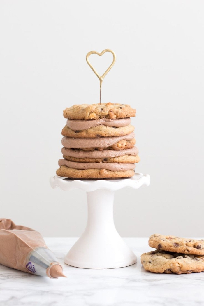 recette cookies nutella facile à la crème au beurre au nutella, idée originale de mini-gâteau de cookies