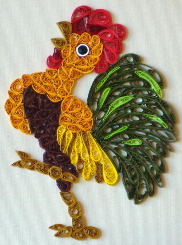 coq multicolore en papier enroulé par la technique quilling, créer des animaux en papier