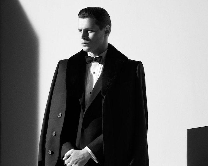 tenue de mariage homme avec manteau, smoking noir et blanc pour cérémonie