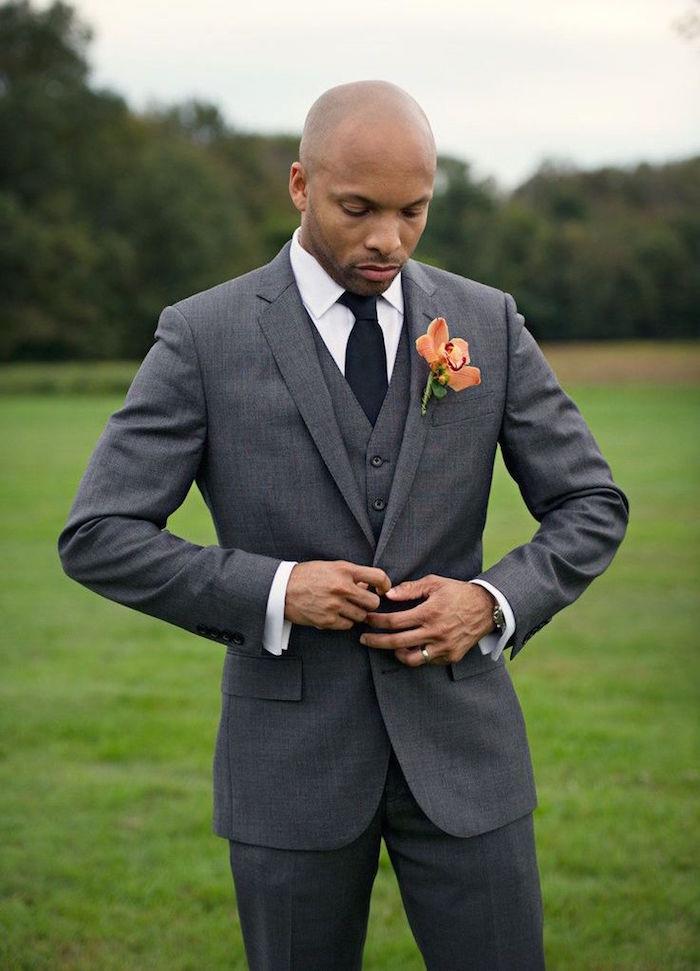 costume homme mariage gris trois pièces, smoking de cérémonie gris pour homme