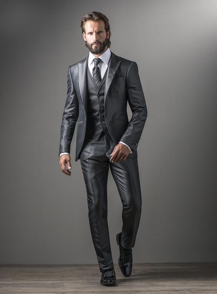 costume 3 pièces homme gris satin, tenue grise homme pour cérémonie