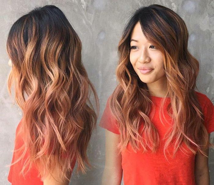 ombré cheveux chatains, couleur chataîn à framboise, robe rouge, cheveux wavy