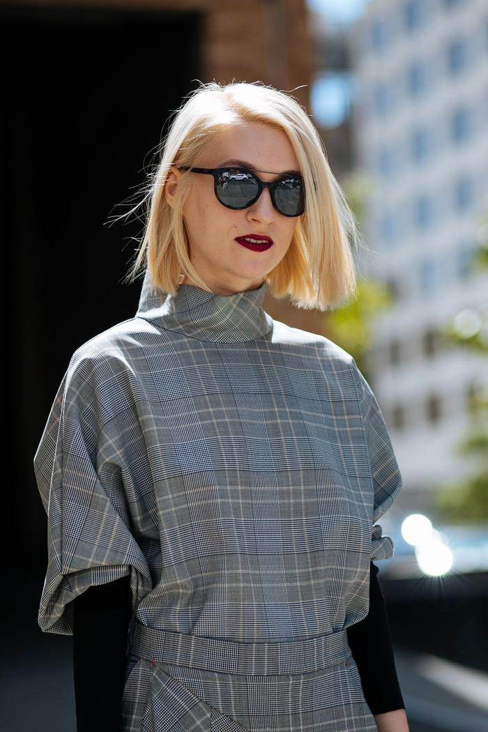 le carré blond strict avec raie sur le côté pour une vision chic et ultra tendance, les coupes courtes en vogue en 2018