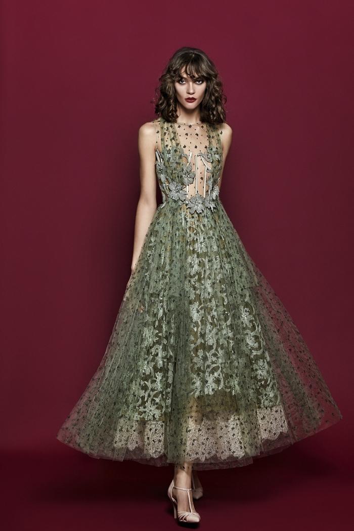 modèle de robe de cérémonie femme en verte avec tulle et dentelle à design coupe longue et haut transparent