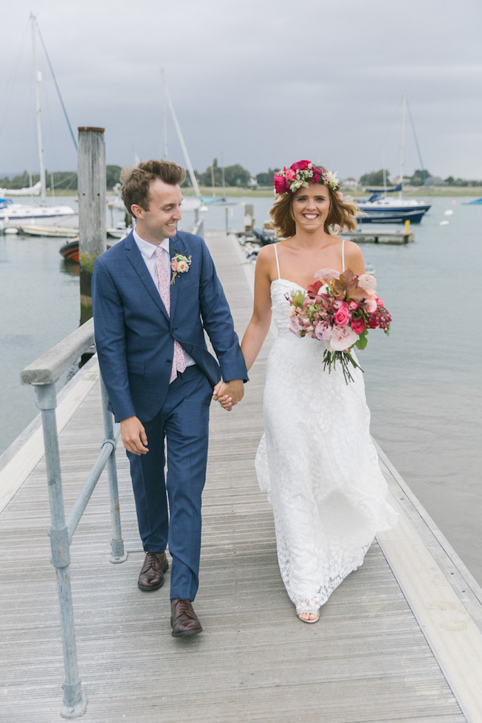 Délicat robe champetre chic couronne de fleur rose robe de mariée vintage idée robe longue
