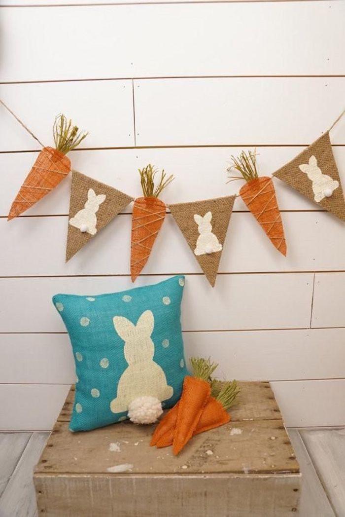 Deco table paques soi meme décoration activités manuelles paques coussin carrot cool idée paques deco