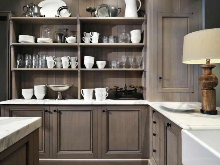 meubles couleur cappuccino, rangement apparent, ustensile blanche