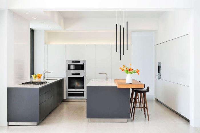 modele pour meuble cuisine gris clair, cuisine rustique repeinte en gris moderne foncé