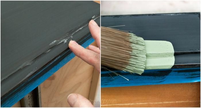 un bureau laqué avec du noir, du bleu et du vert menthe, customiser un meuble en bois