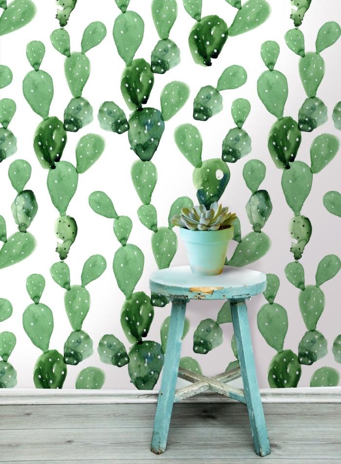 modèle de papier peint tropical blanc à cactus verts, design intérieur tendance actuelle avec meubles vintage et murs tropicaux
