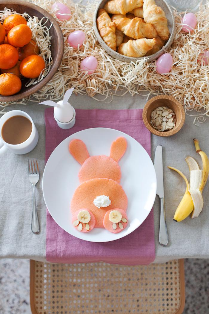 Déco de Pâques deco paques decoration paques facile crêpe à forme de lapin cool idée déco de pâques table