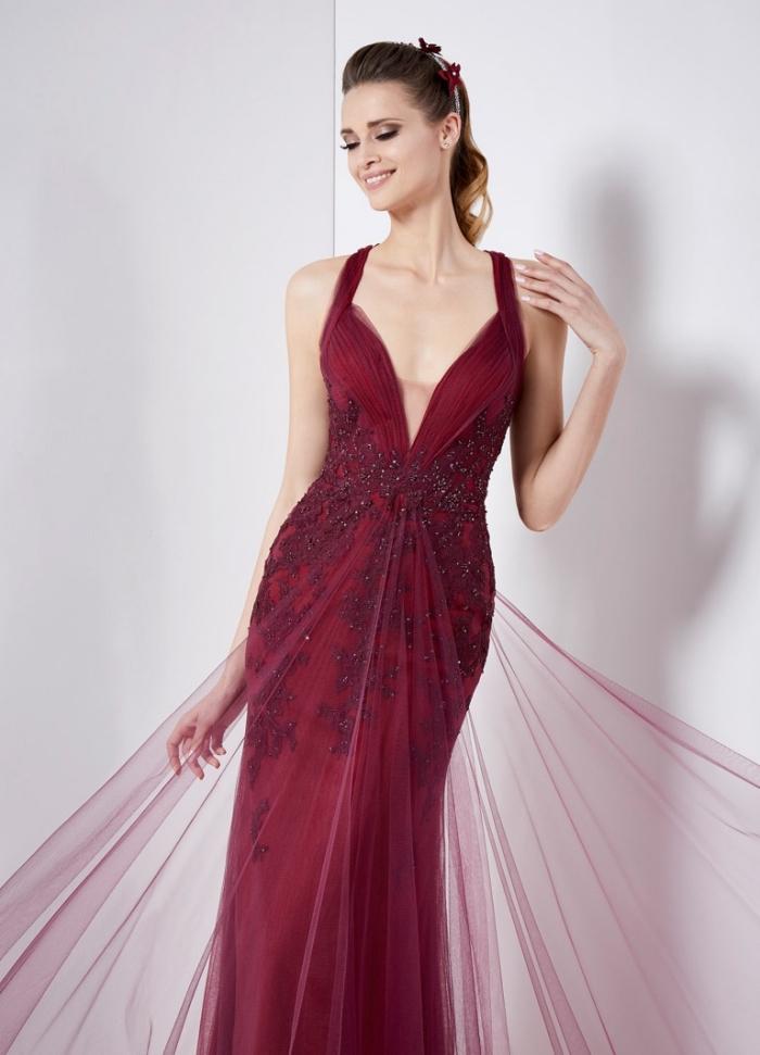 6e2f7a4ae1c Robe de soirée chic et glamour. 100 modèles inspirants pour un coup de  foudre ou d amour