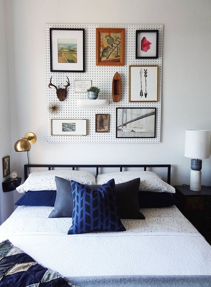 idée originale pour une décoration murale chambre à coucher avec un tableau perforé à double fonctionnalité