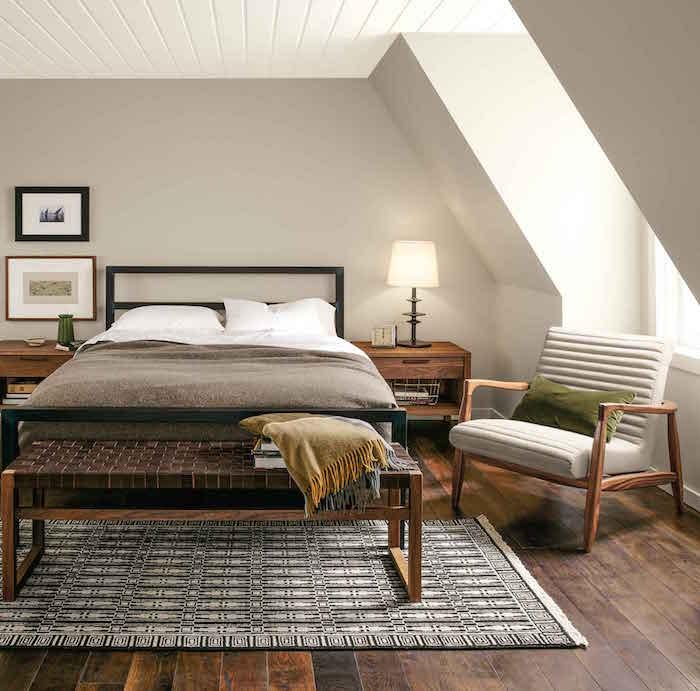 améngaer une suite parentale 12m2 mansardée sous les toits, Chambre cosy et romantique avec plancher en bois