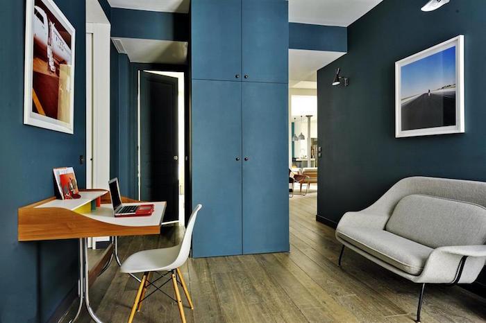 peinture bleu pétrole pour deco de bureau, décoration retro avec murs bleu paon