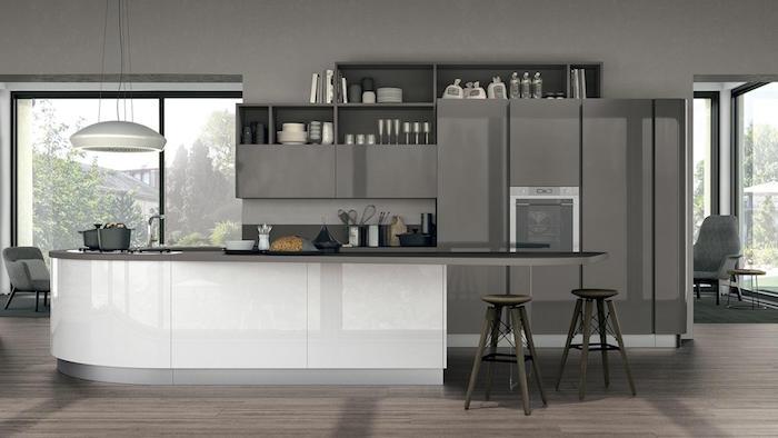 cuisine moderne grise et blanche, ilot central de cuisine américaine design
