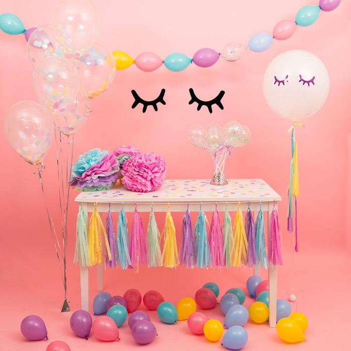 joli accessoire licorne autocollant yeux fermés pour la décoration de votre buffet d'anniversaire