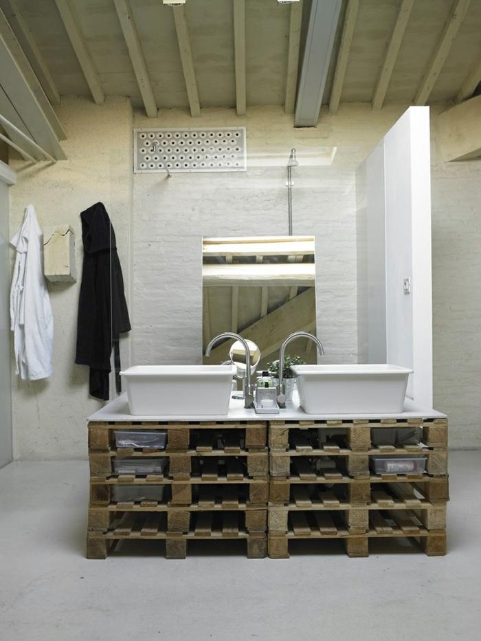 comment relooker une salle de bain avec un petit budget et fabriquer meuble salle de bain à partir des palettes récupérées