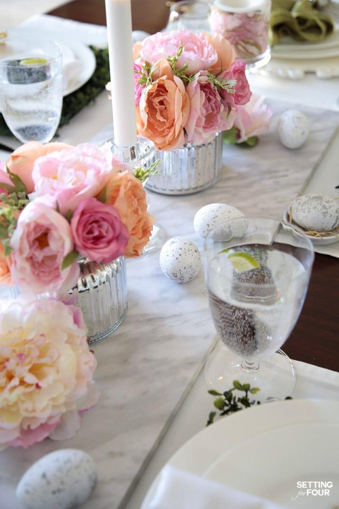 Deco paques decoration paques facile bricolage de paques decoration de table paques pivoines dans vase oeufs décoratifs