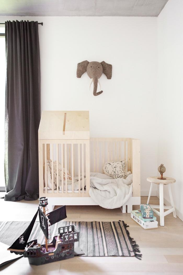 1001 id es pour la d coration chambre b b fille comment organiser la chambre de votre fillette - Forme de toiture maison ...