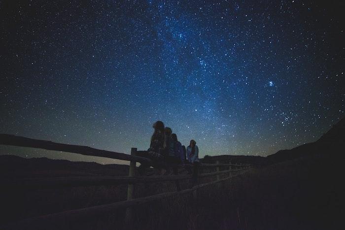 Les noms des étoiles idée cadeau original baptême d'étoile offrir un cadeau spécial nommer une étoile à quelqu'un