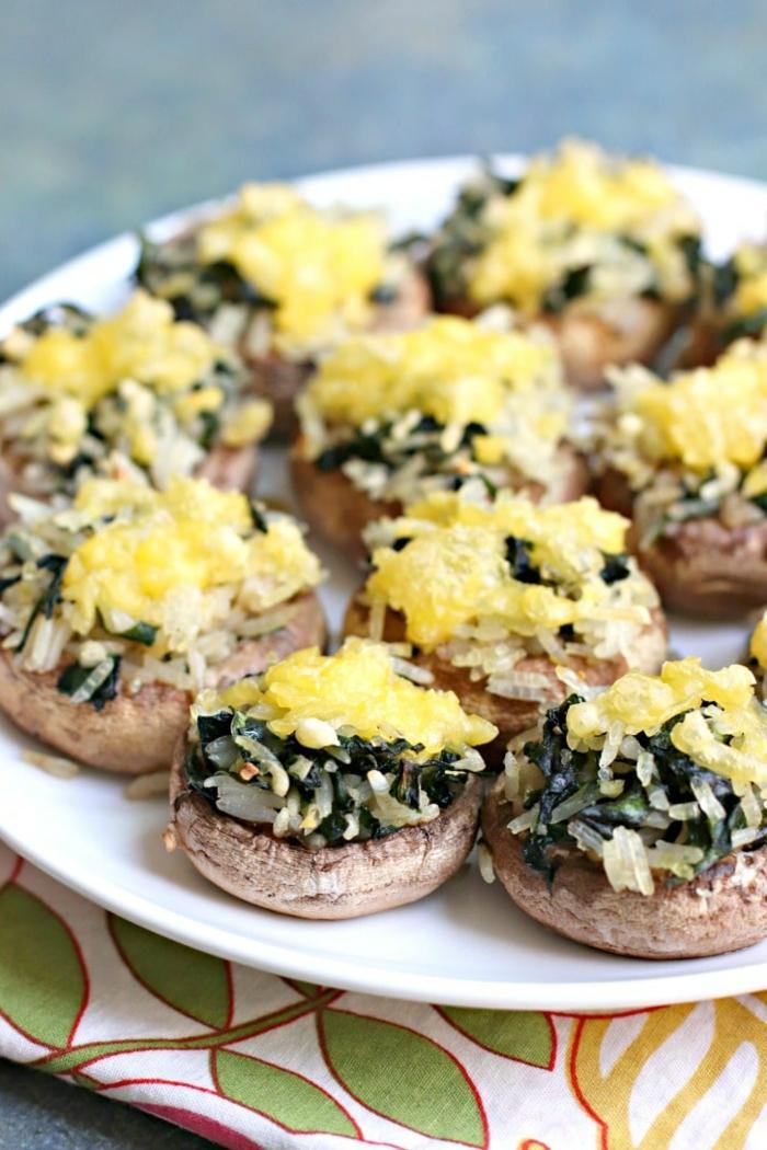 champignons avec du riz et des épinards, repas dietetique, repas minceur, safran, plat qui peut servir aussi d'entrée, plat asiatique