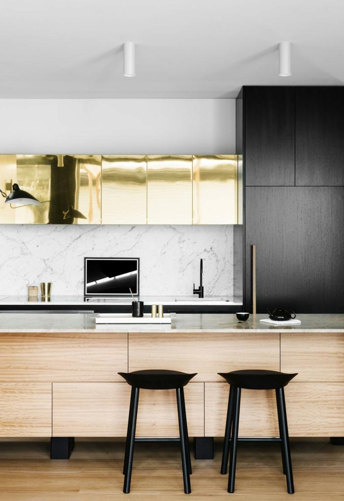 deux tabourets design, cabinets dorés, armoire noire suspendue, décor scandinave