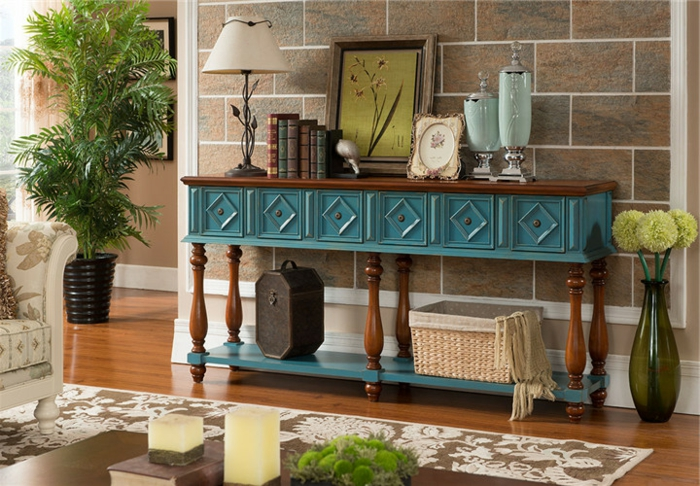 relooking meuble, meuble ancien relooké avec quelques coups de brosse et de la peinture bleue