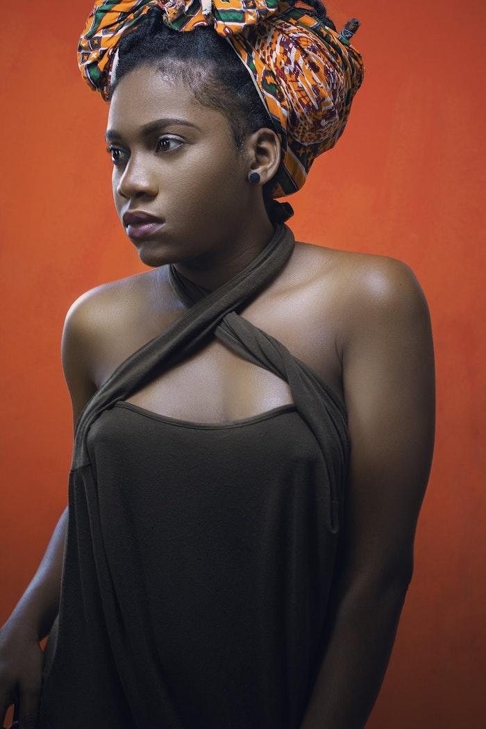 Modeles de tresses avec meches tresse africaine 2018 coiffure avec foulard originale idée de coiffure femme belle