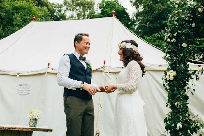 Habillée occasion robe de mariée bohème chic robe boheme mariage couronne de fleurs blanches