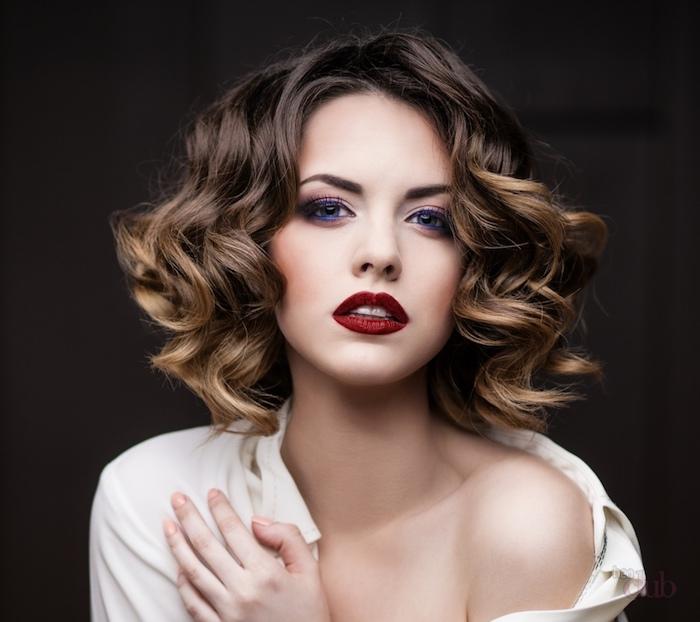 La coiffure cheveux bouclés en plus de 80 idées géniales à copier