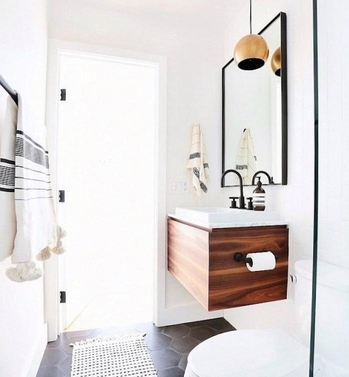 am nagement petite salle de bain 2m2 astuces gain de place et exemples d co obsigen. Black Bedroom Furniture Sets. Home Design Ideas