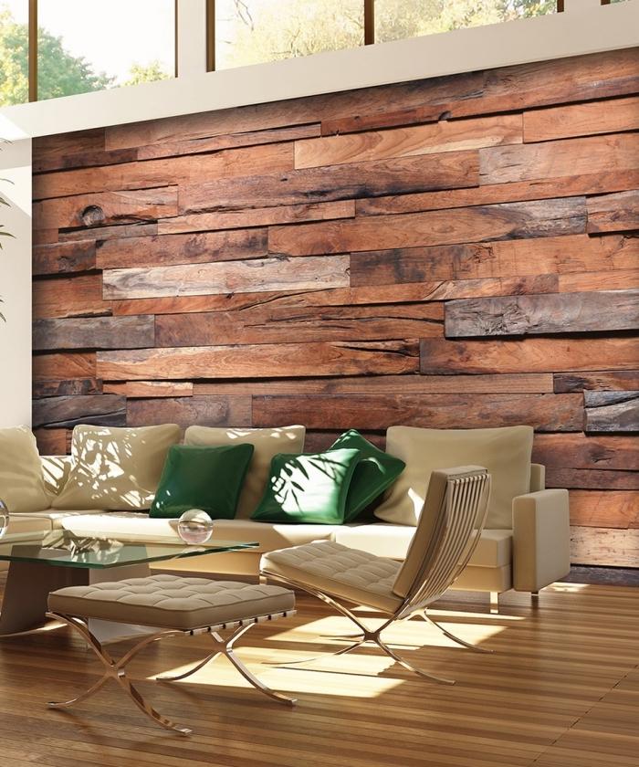idée déco de salon au plafond haut avec parquet de bois clair et meubles de bois, déco murale avec papier peint imitation bois