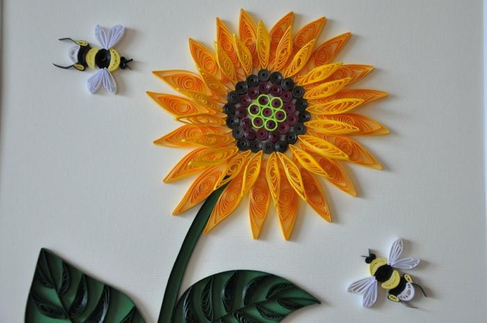 quilling fleur, tournesol jaune avec des abeilles volant autour, formes faciles