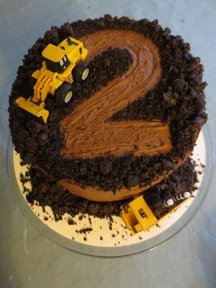 idée pour un gateau anniversaire 2 ans au chocolat façon chantier de construction qu'on peut facilement préparer à la maison