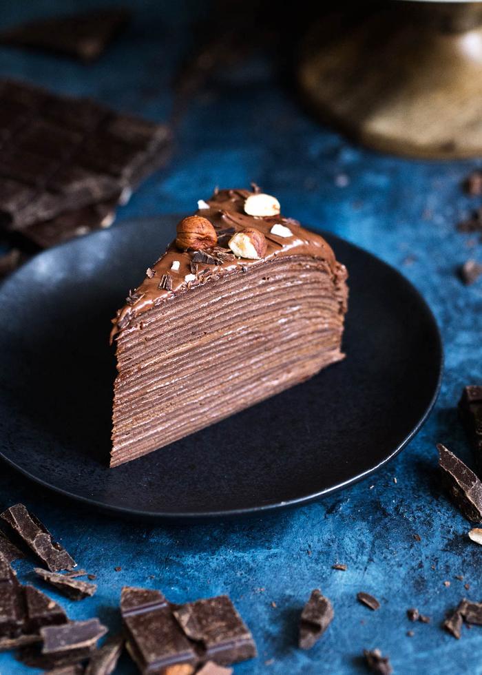 recette de gateau au nutella facile et rapide, gâteau délicieux de crêpes, nutella et noisettes