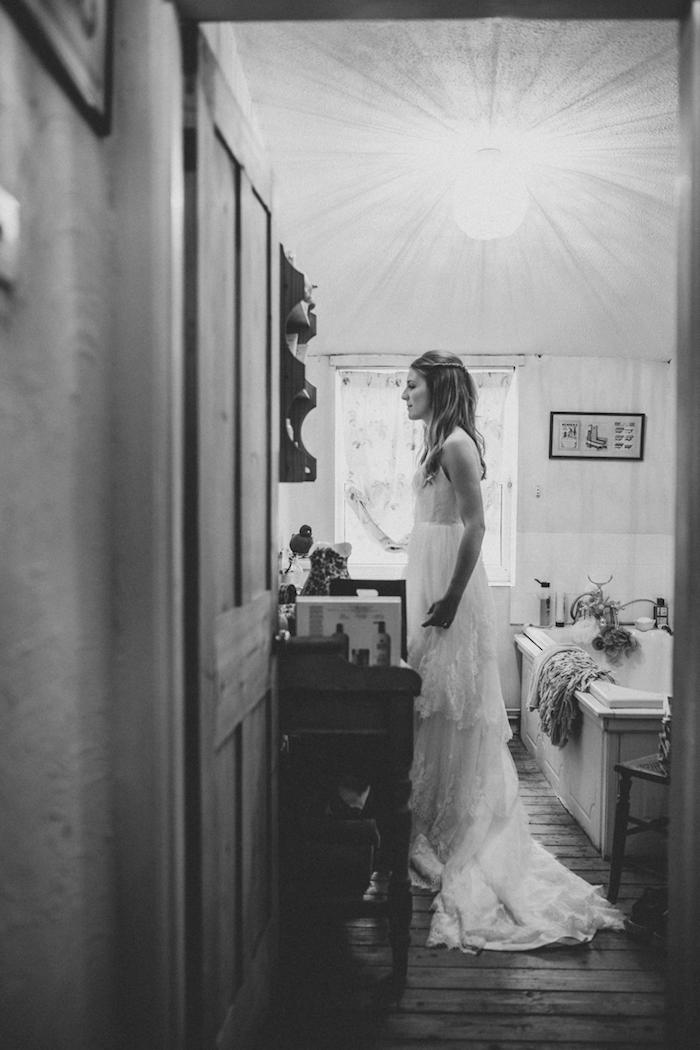 La robe de mariée simple tendance 2018 mariage tendance moderne robe photographie noir et blanc