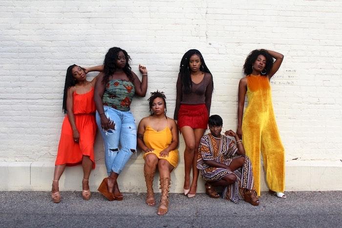 Coiffure africaine coiffure afro femme jolie coiffure amies bien coiffées couleurs belle photo