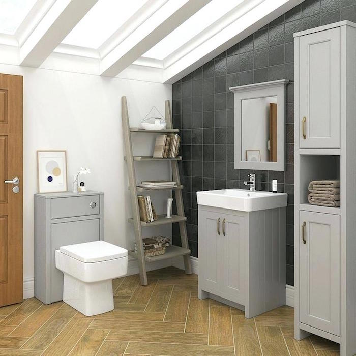 carreaux salle de bain pour carrelage mural gris anthracite et sol en lino beige imitation bois