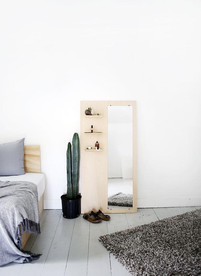 deco pour chambre scandinave à faire soi-même, une étagère en contreplaqué avec miroir intégré au design épuré contemporain