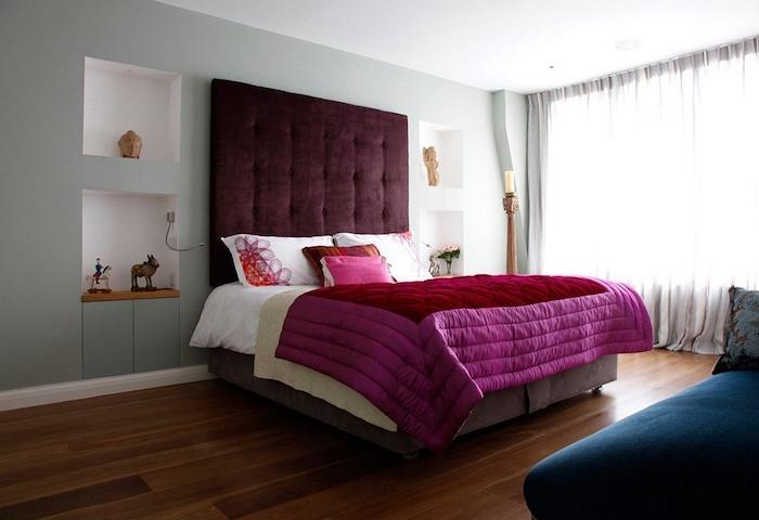 chambre double avec lit surelevé capitonnée, chambre parents simple
