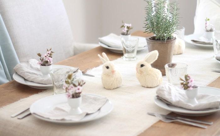 Bricolage paques création deco paques amusement décoration table à manger